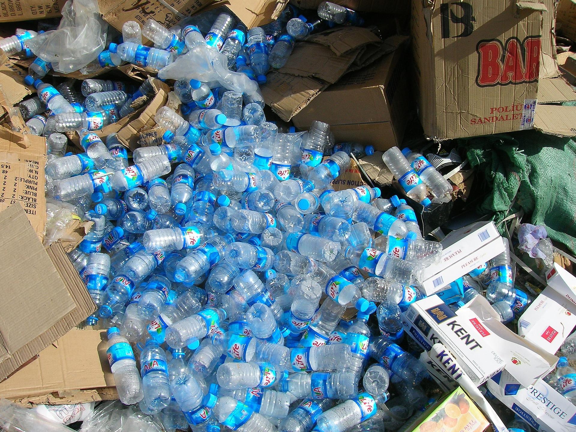 image bouteille en plastique
